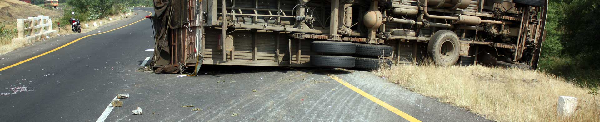 img header truck accident